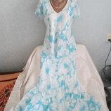 Женский красивый костюм Saloos