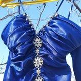 Красивое атласное платье Leina размер S 36-38