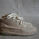 Добротные фирменные замшевые ботинки цвета койот Clarks 12 G р.