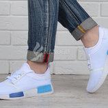 Кроссовки Adidas NMD женские белые на шнуровке
