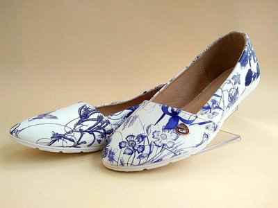 Белые балетки с цветочным принтом. Размеры 35-41.
