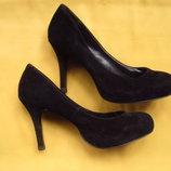 Замшевые нарядные туфли чёрного цвета,р.37,отличное состояние