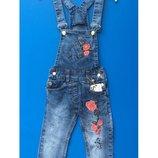 Модные джинсовые комбинезоны на девочек 98-152 рост