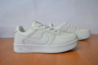 кроссовки Nike форсе белые.
