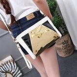 Модная сумка клатч с голографической вставкой В наличии