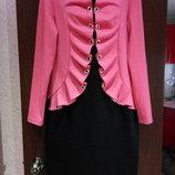 Очень нарядное платье-пиджак два в одном коралл с чёрным 52 размера