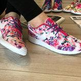 Женские кроссовки Nike принт