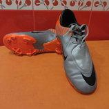 Бутсы Nike р. 36,5 4 оригинал по стельке-23,5 см