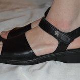 Босоніжки сандалі шкіряні Caprice розмір 41 42, босоножки кожа