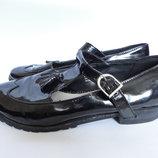 Туфли лаковые на широкие ножки р.40