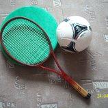 Ракетка для большого тенниса. Теннисная ракетка.