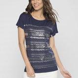 в наличии фирменная женская футболка LC Waikiki темно-синего цвета с рисунком