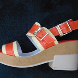 Оранжевые кожаные босоножки