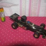 Коллекционная модель 1 36 Corgi Toys John Player Spesial F1