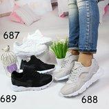 Женские кроссовки Nike Huarache 3 цвета