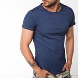 в наличии фирменная мужская футболка De Facto темно-синего цвета 100% хлопок
