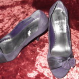 Фиолетовые туфельки