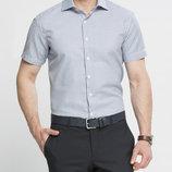 в наличии мужская рубашка LC Waikiki с коротким рукавом белого цвета в мелкую голубую полоску