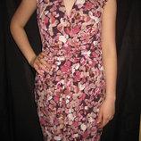 8-10 размер, красивое платье с цветами, нежное и женственное