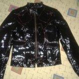 Стильная лаковая кожанная куртка