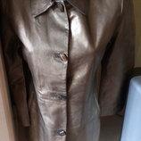 Класна подовжена нова шкіряна куртка з етикеткою ог 88см