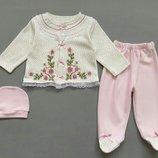 Набор комплект для девочки распашонка, ползунки и шапочка.