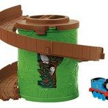 Fisher-Price Thomas&Friends спиральная башня с томасом Take-N-Play Spiral Tower Tracks CDN01