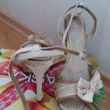 Braska женские босоножки на каблуке
