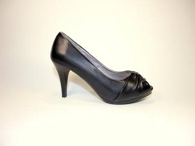 Женские летние туфли на каблуке с открытым носком. Размер 35-40.
