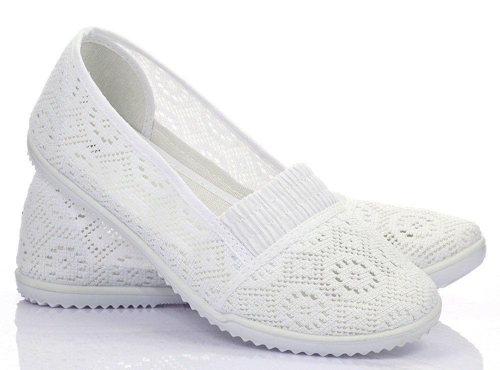 Белые кружевные балетки купить