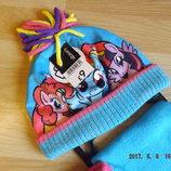 Комплект на девочку, шапка,шарф,варежки.