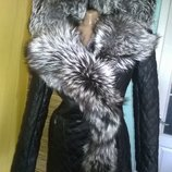 Шикарная куртка косуха с капюшоном на плечи из чернобурки в наличии