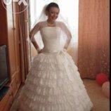 Продам Шикарное Свадебное Платье с кольцами от юбки, После Химчистки