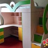 Детская кровать-чердак с рабочей зоной, угловым шкафом, тумбой и лестницей-комодом кл27-3 Merabel