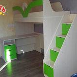 ровать-чердак с мобильным столом и лестницей-комодом кл33 Merabel