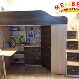 Детская кровать-чердак с рабочей зоной, угловым шкафом, тумбой и лестницей-комодом кл21 Merabel