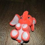 Игрушка яркий слоник кораллового цвета
