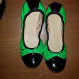 Красивенные яркие балетки туфли в отличном состоянии