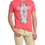 Мужская футболка LC Waikiki ярко-розового цвета с надписью на груди To be free