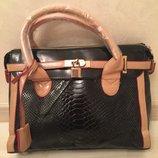 Женская сумочка-чемоданчик