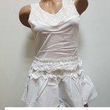 платье -туника-баска с вставками гипюра