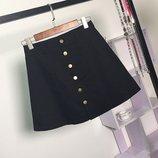 Женская юбка трапеция на пуговицах черная