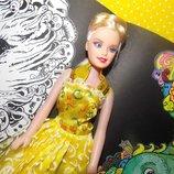 Кукла Красивая девушка