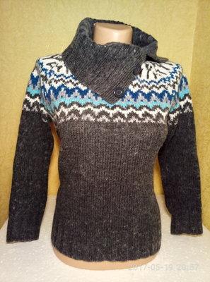 Шикарный свитер размер S фирмы Canda пр-во Германия, б/у