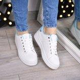 Женские стильные белые кроссовки