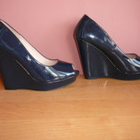 Туфли темно синие 38 размер стелька -25 см