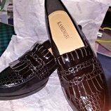 Туфли Bershka, мокасины-лоферы женские черные лаковые-под рептилию