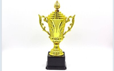 Кубок спортивный с ручками и крышкой Omega C-679C, золото пластик, высота 24см