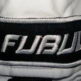 Белые стильные брюки от Fubul