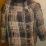 стильне коротеньке пальто в клітинку р40 Clockhouse